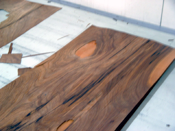 Walnut-brown stained Picawood veneer