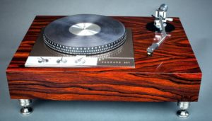 Garrard 401 and Abis tonearm by Woodsong Audio